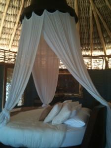 Un santuario natural llamado hotelito desconocido for Pabellon para cama king size