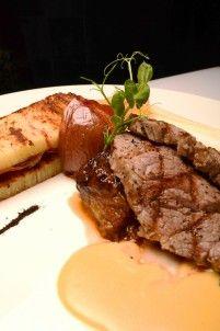 Duo De Costillar y Petalos de Filete de Res al Grill