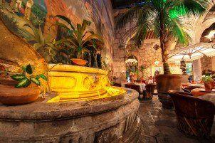 Los Mirasoles Fountain