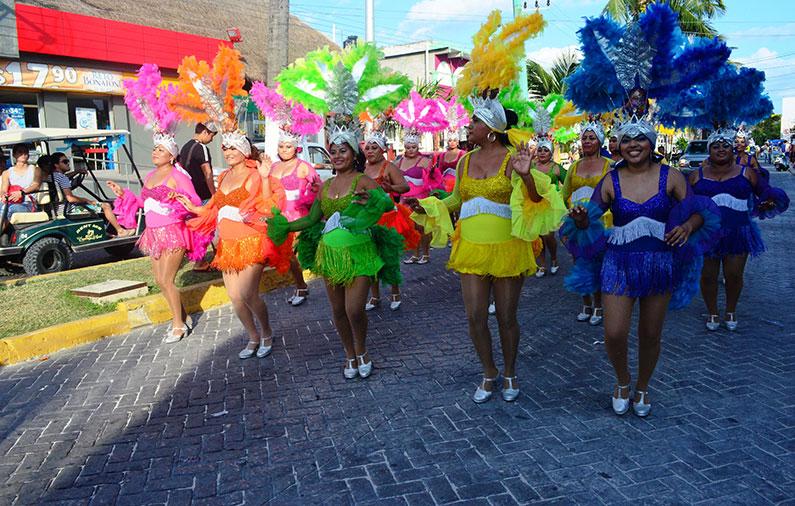 Hoteles-boutique-de-mexico-llegaron-los-carnavales-a-mexico-isla-mujeres