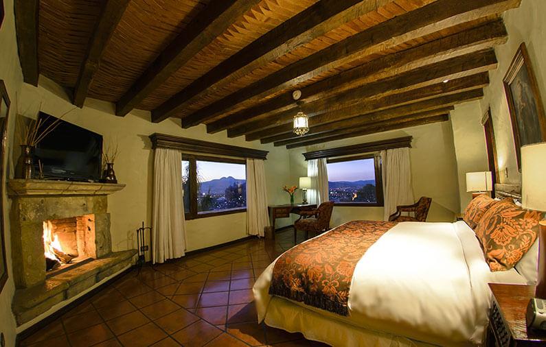 hoteles-boutique-de-mexico-recorriendo-el-centro-historico-de-morelia-villa-montana