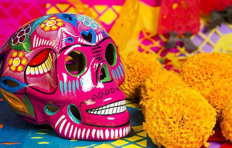 Los colores, aromas y tradición del día de muertos